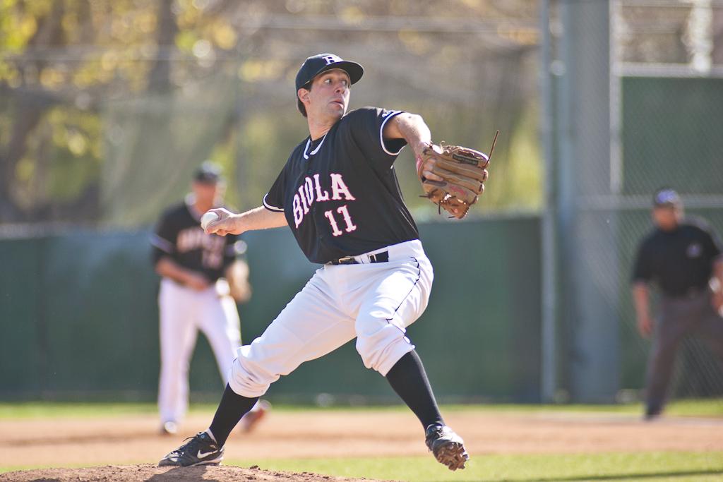 Baseball suffers tough losses at home following road trip