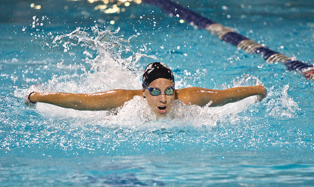 Swimming and diving snag 18 national qualifiers