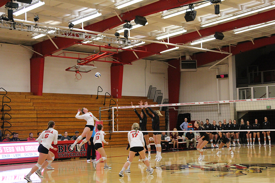 Volleyball takes revenge in win at Point Loma