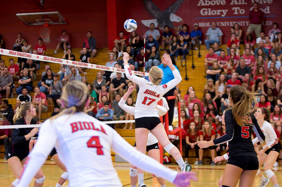 Volleyball claims sixth straight victory