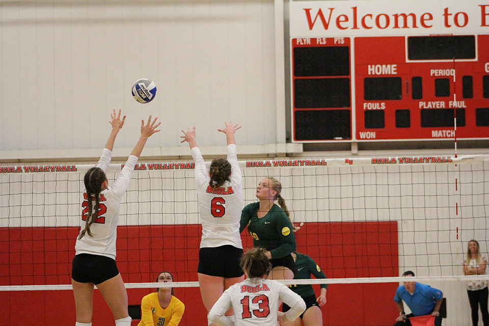 Volleyball claims victory in Hawaii