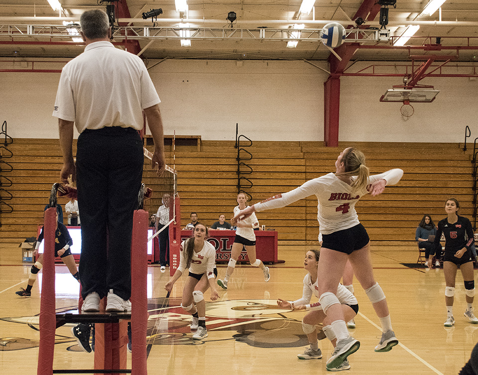 Volleyball cruises to another sweep
