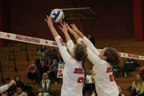 Volleyball continues winning streak