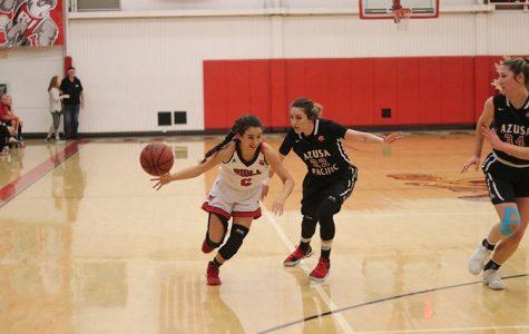 Women's basketball falls late to APU, snapping win streak