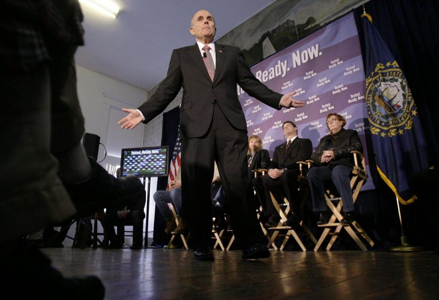 Republican+presidential+hopeful+Rudy+Giuliani+campaigns+in+New+Hampshires+first+in+the+nation+presidential+primary+on+Monday+afternoon.+Californias+primaries+will+happen+on+Feb.+5.