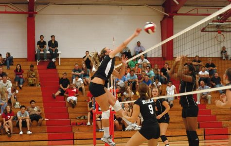 Women's volleyball starts season in fourth place nationally