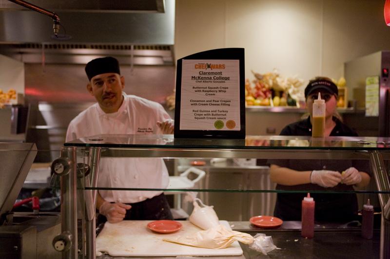 Claremont+McKenna+College+chef+stands+behind+the+menu+preparing+crepes+for+Biola+students.