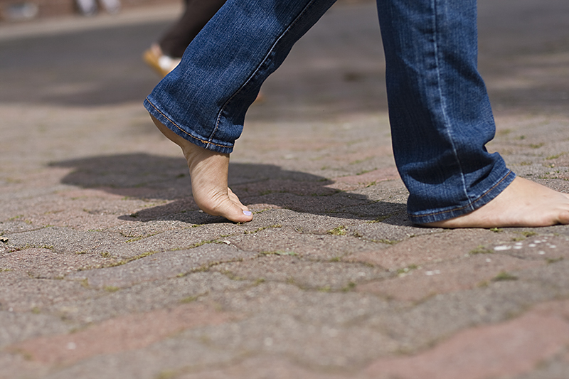 Students show their support in TOMS Day Without Shoes around campus on Tuesday, April 5. |Katie Juranek/THE CHIMES