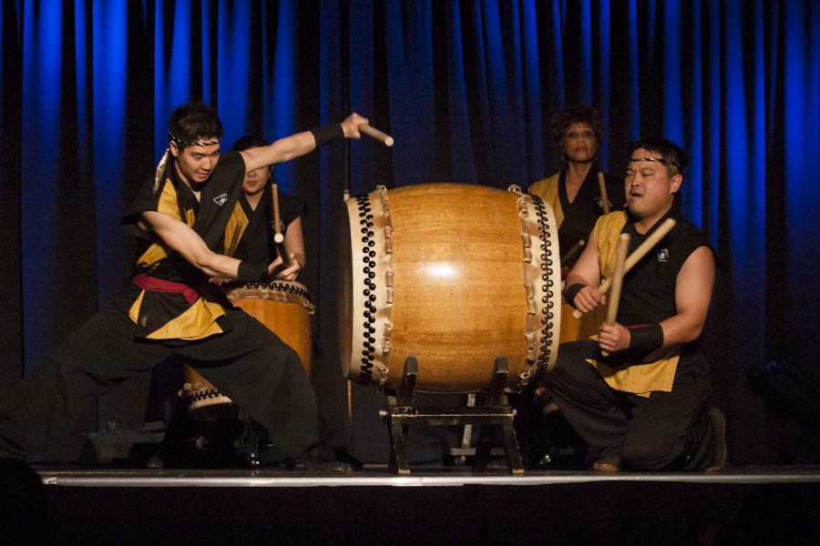 Traditional Taiko drummers open the final session of the SCORR Conference. | Grant Walter/THE CHIMES