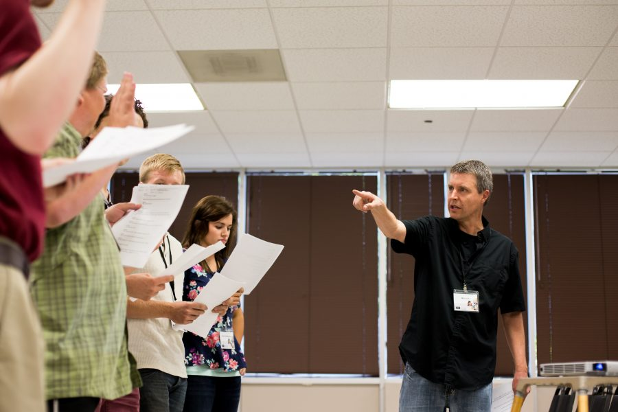 Voice actor director Ned Lott gives a lesson about voice directing by inviting attendees to act out scenes from famous animated movies during a breakout session. | John Buchanan/THE CHIMES