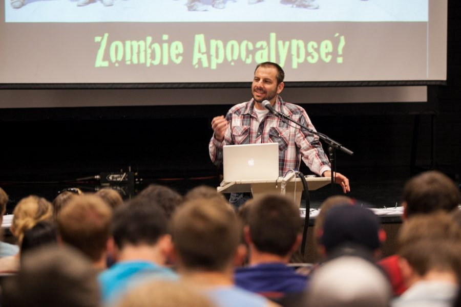 Mike Sanborn, pastor at Granada Heights Friends Church in La Mirada, discusses how technology has made our culture into zombies. | Melanie Kim/THE CHIMES
