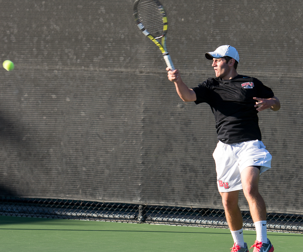 Men unable to advance past first round