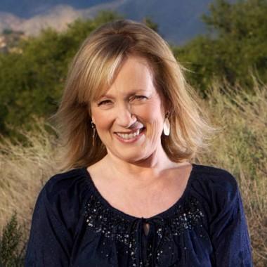 Kay Warren to address 2014 graduating class