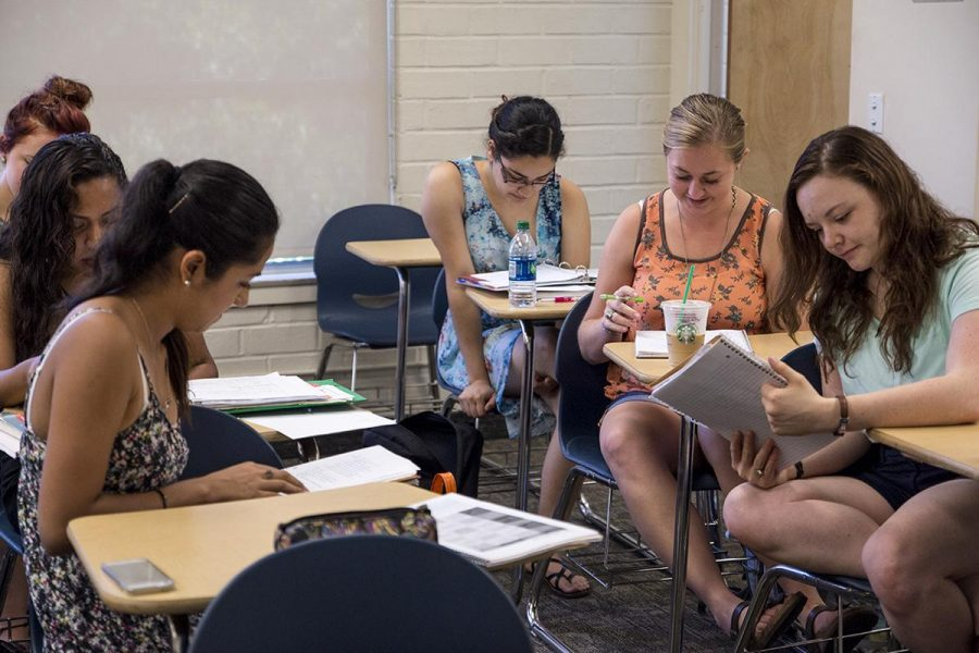 Students+have+a+discussion+in+their+international+relations+class+taught+by+Professor+Tom+Copeland.+%7C+Aaron+Fooks%2FTHE+CHIMES