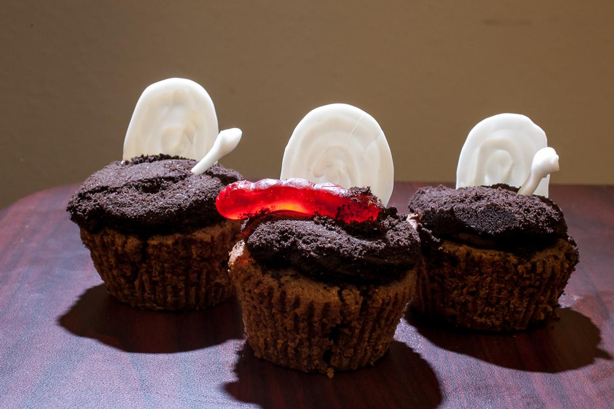 Spooky cupcakes scare up a sweet tooth