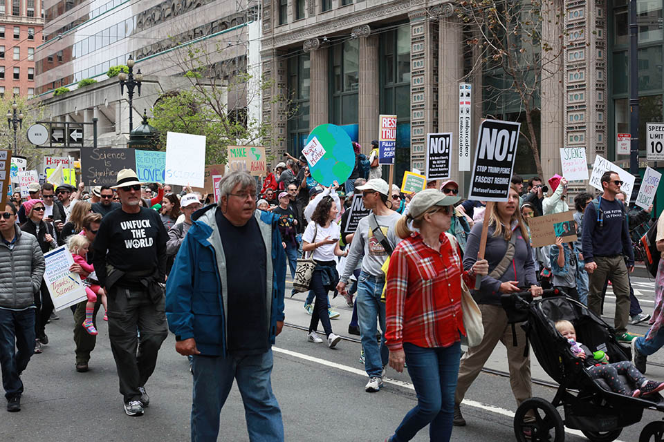 Scientists march for the common good