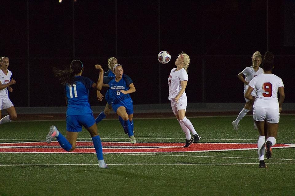 Guardarrama, deMetropolis lead women's soccer comeback