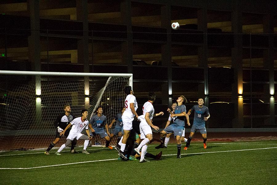 Munivez lifts men's soccer over Sharks