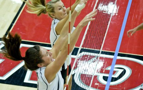 Biola womens volleyball runs streak to 10 with win over Holy Names