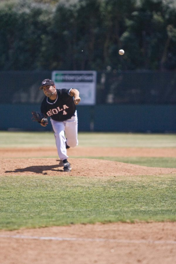 Senior+Jimmy+Johnson+pitches+against+Azusa+Pacific+in+one+of+the+last+regular+season+games+of+2008.+++