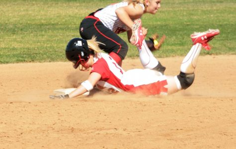 Softball Shuts out Holy Names