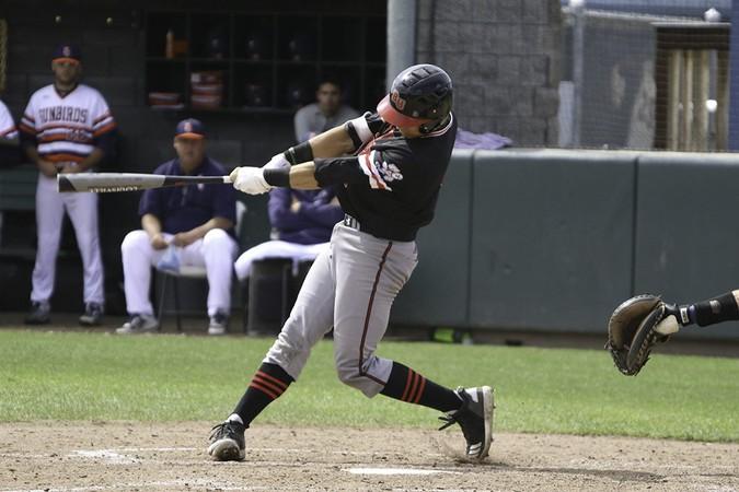 Baseball splits series with FPU