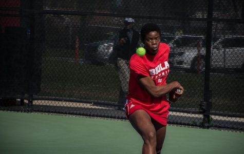 Men's and women's tennis lose close battle