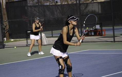 Tennis suffer losses to begin season