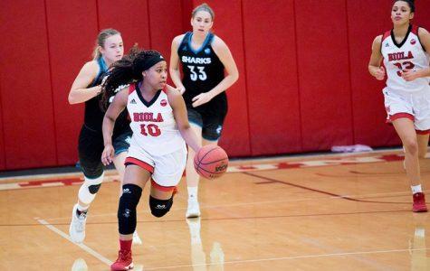 Women's basketball starts slow in season opener