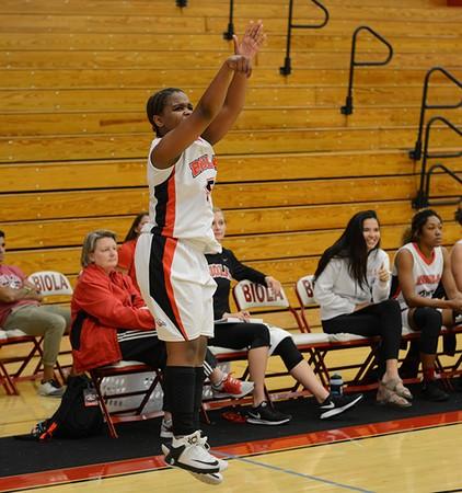 Women's basketball falls in season opener
