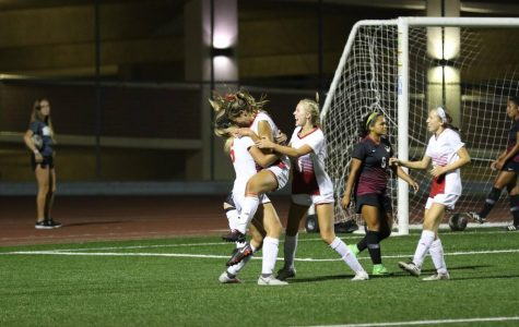 Women's Soccer earns 3-2 OT win at home
