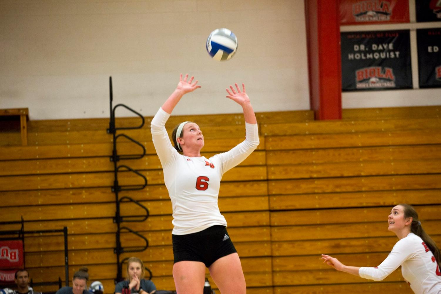 Brinley Beresford prepares to receive the ball during the Thursday game against Hawaii Hilo University, which ended in a five-set loss. The Eagles went on to a Saturday sweep against Hawaii Pacific University.