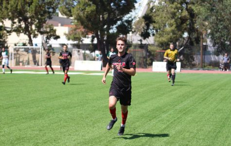 Men's soccer grabs second straight win