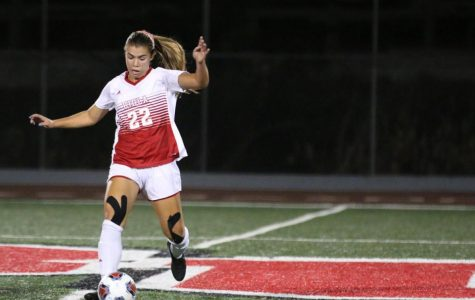 Women's soccer ties a rainy contest in Hawaii