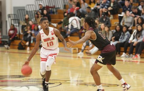 Men's basketball wins pre-Thanksgiving clash