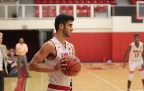 Men's basketball suffers first big loss of the season