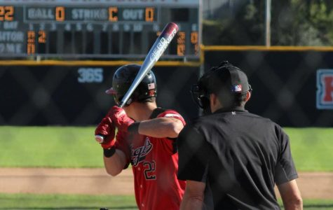 Baseball brings the bats at Vanguard