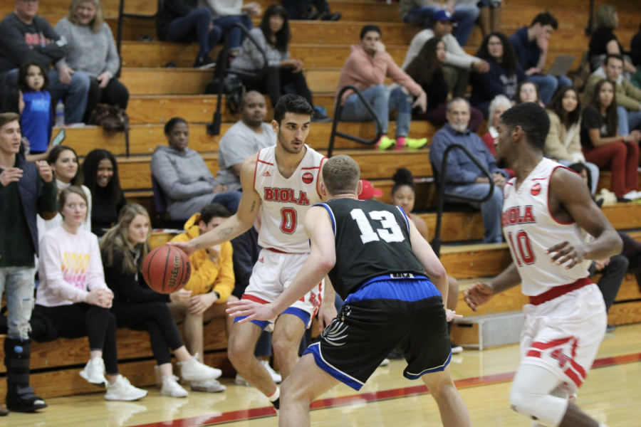 Chaminade defeats men's basketball