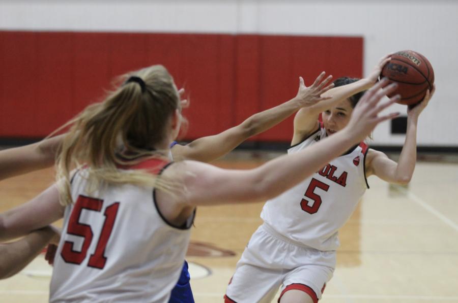 Women's basketball falls short against Hawaii Pacific
