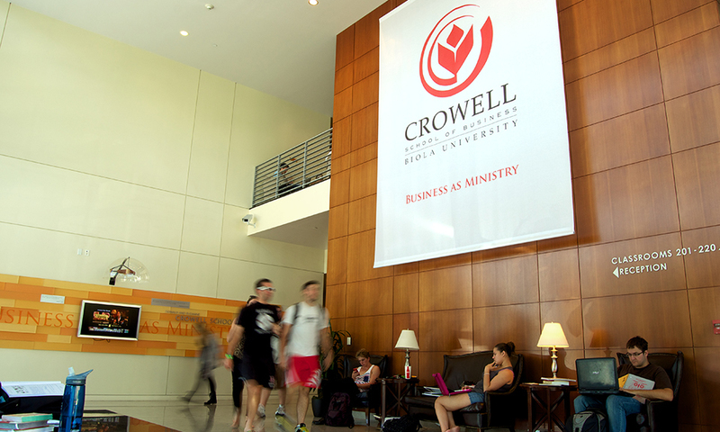 crowell+school+of+business