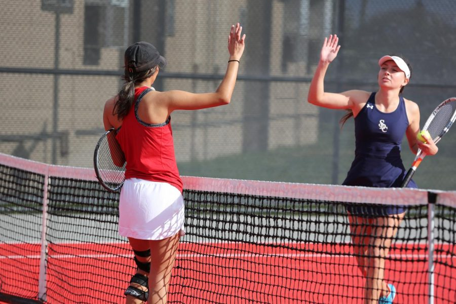 Women's tennis wins big at Saint Katherine