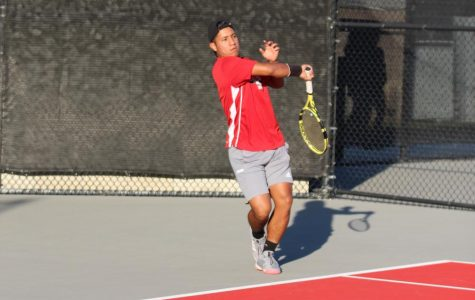 Men's tennis beats Pacific University