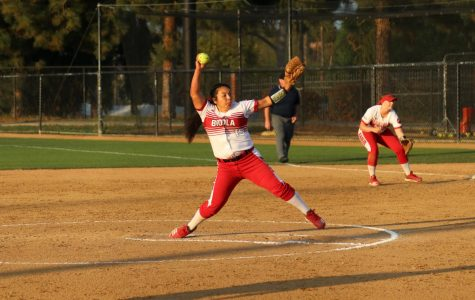 Softball dominates Silverswords in doubleheader