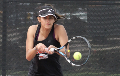 Women's tennis beats Dominican in close game