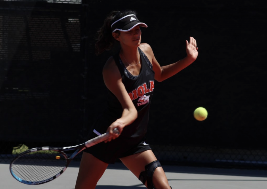 Women's tennis win big against Saint Katherine