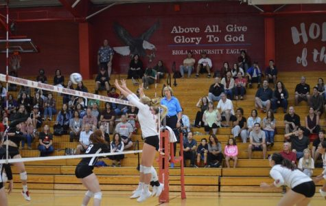 Volleyball earns clean win against Academy of Art