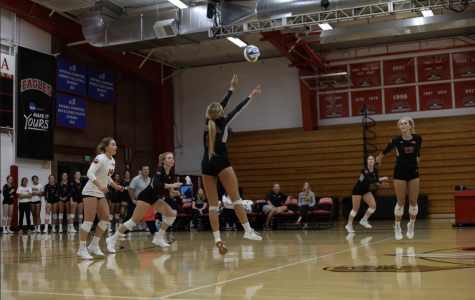 Volleyball extends win streak against Dominican