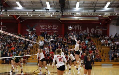 Volleyball starts Hawaii trip with a tough loss