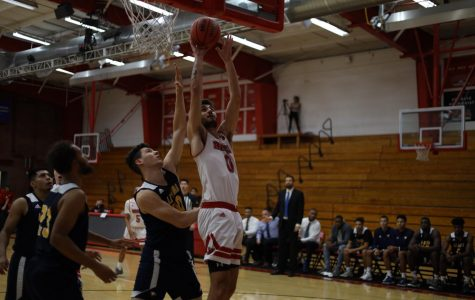 Men's basketball cruises to 94-79 win over La Sierra