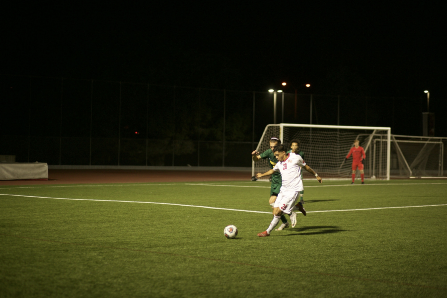 Men's soccer overcomes FPU